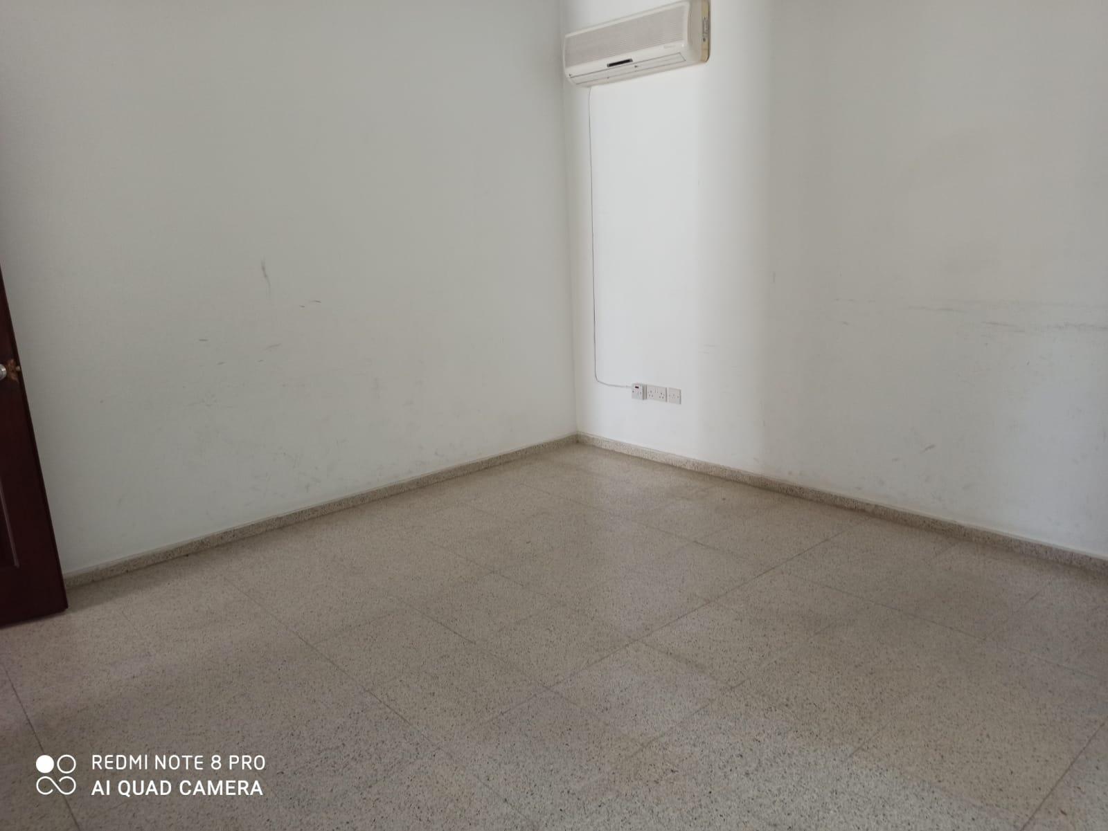 Girne Merkez Mahkemeler Bölgesinde 1+1 Kiralık Ofis  8830