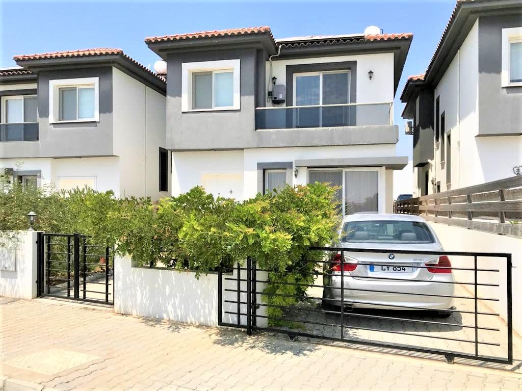 Lefkoşa'nın En Prestij Villa Bölgesi Yenikent'te Türk Malı Modern Villa  9706