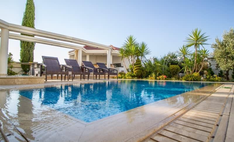 Kuzey Kıbrıs - Yenikent'de Satılık  Lüx Villa-Müstakil 9800