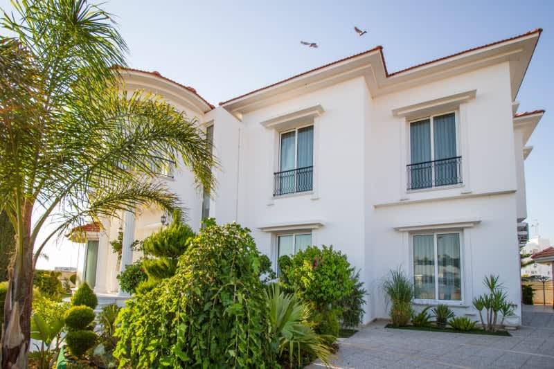 Kuzey Kıbrıs - Yenikent'de Satılık  Lüx Villa-Müstakil 9810
