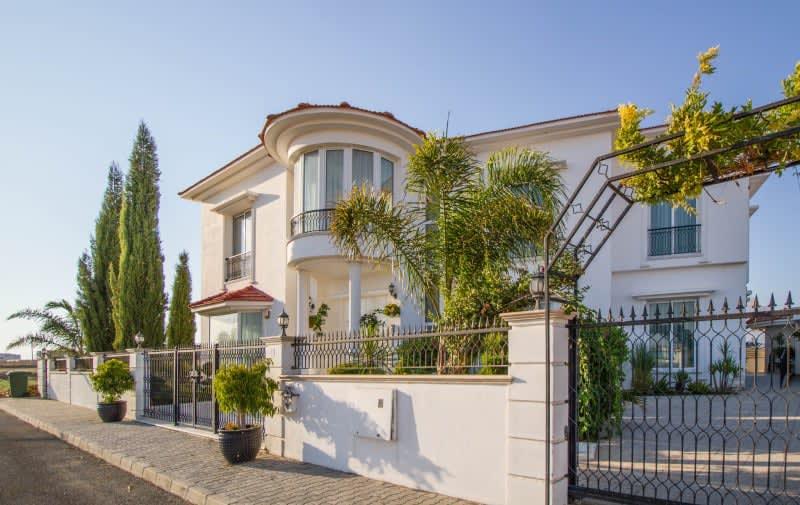 Kuzey Kıbrıs - Yenikent'de Satılık  Lüx Villa-Müstakil 9813