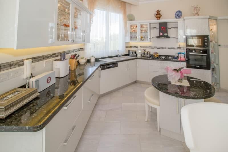 Kuzey Kıbrıs - Yenikent'de Satılık  Lüx Villa-Müstakil 9815