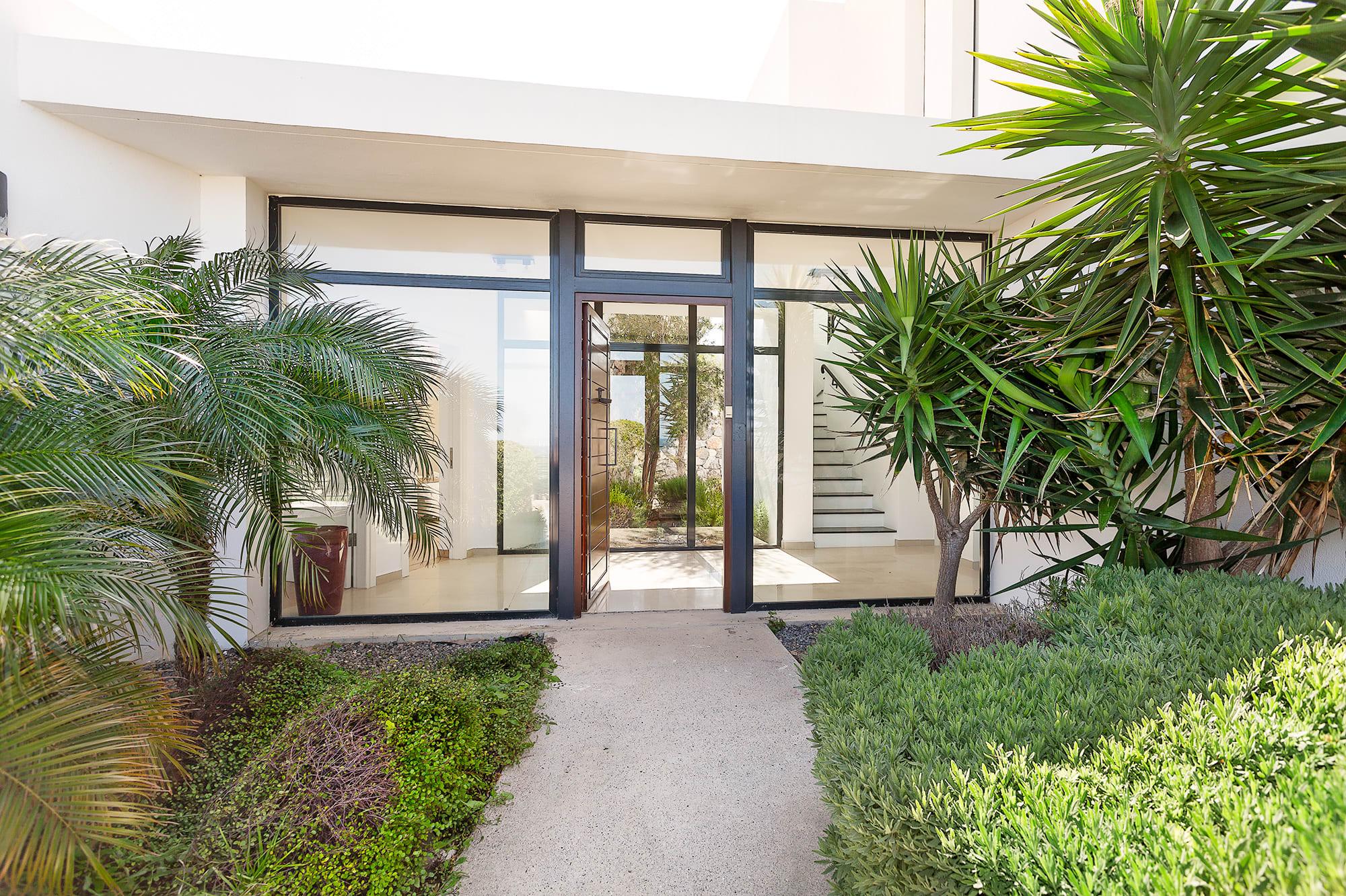 Bahçeli'de Satılık Denize Sıfır 3 Yatak Odalı ve Özel Havuzlu Villalar 9864