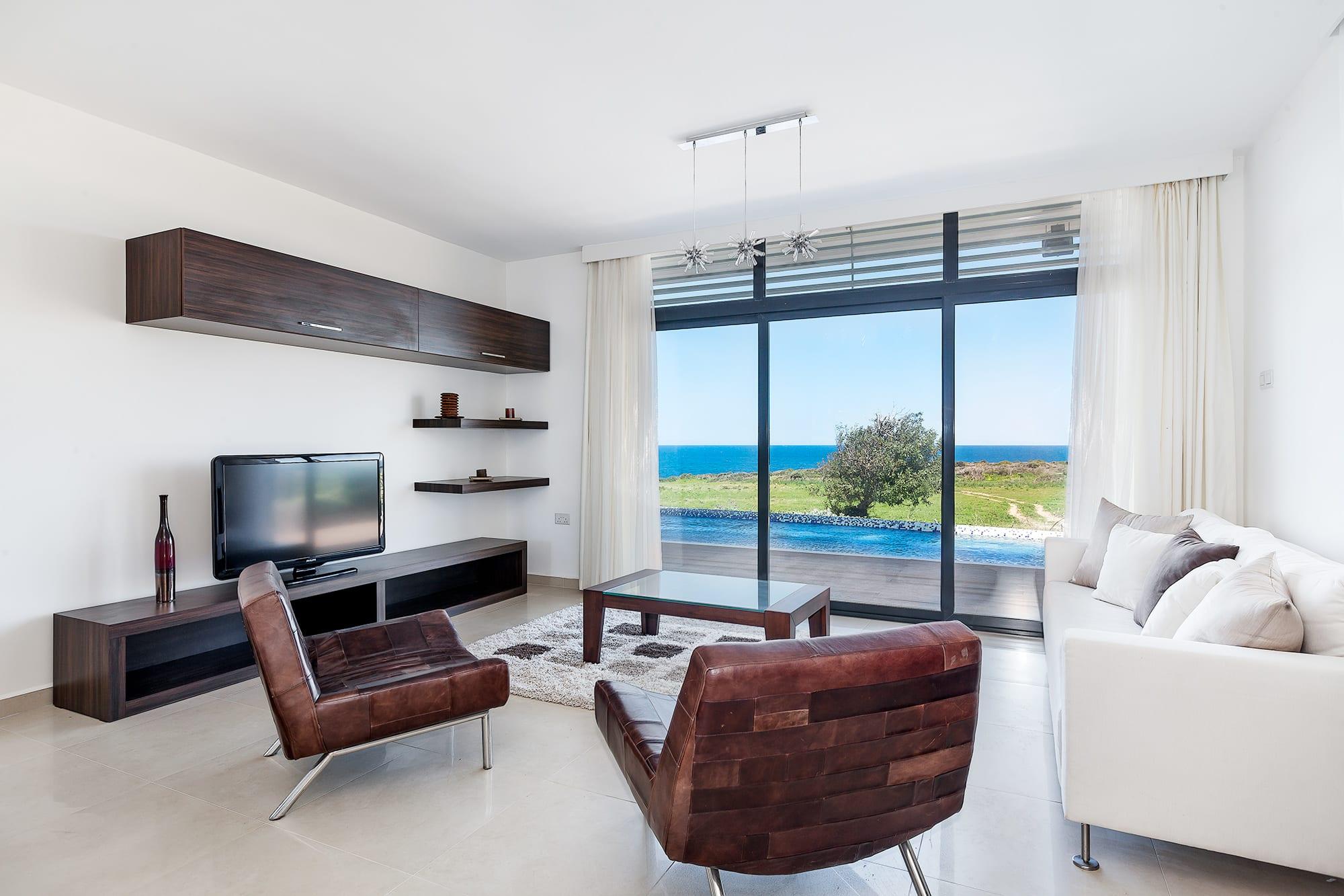 Bahçeli'de Satılık Denize Sıfır 3 Yatak Odalı ve Özel Havuzlu Villalar 9865