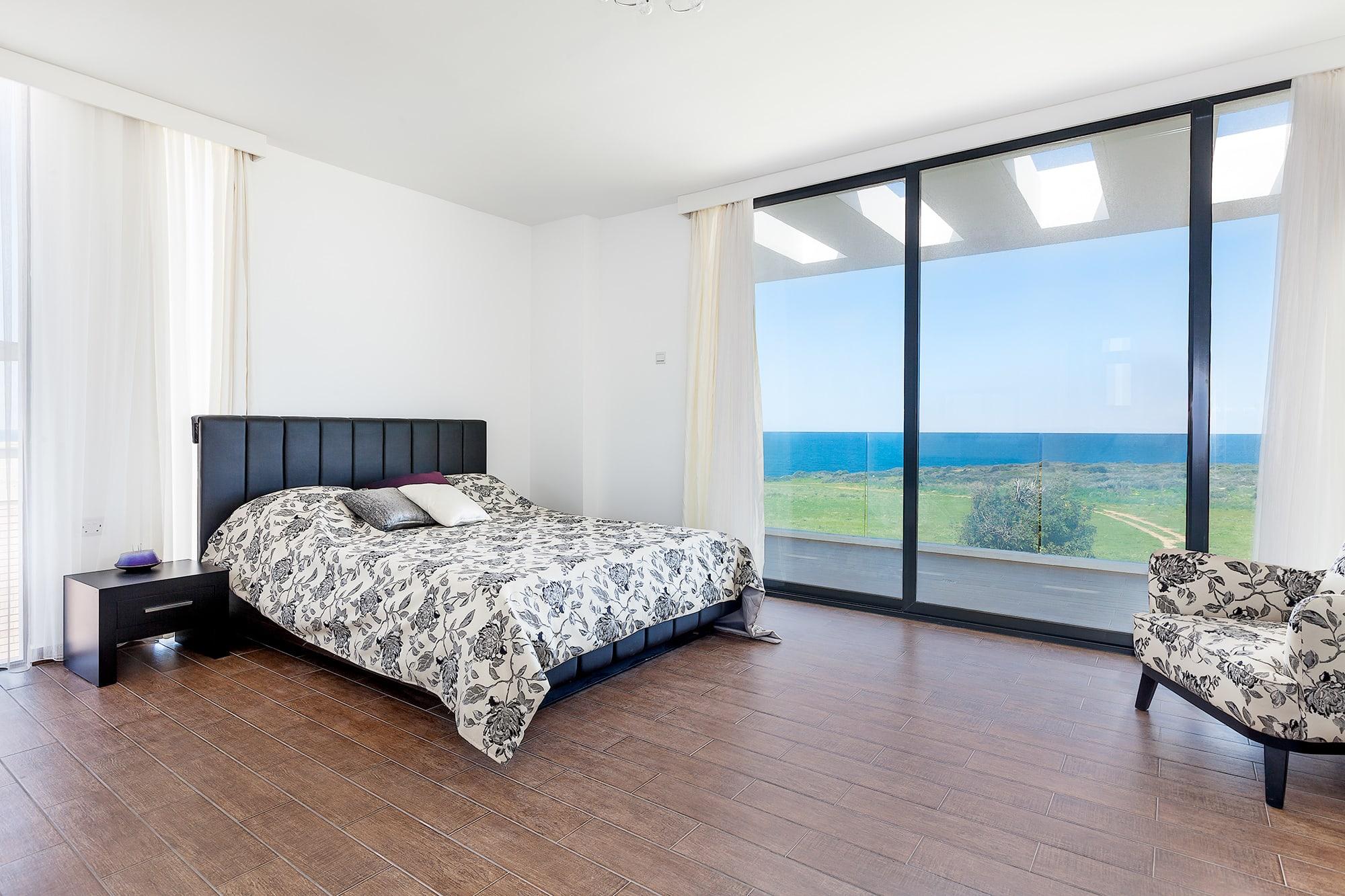 Bahçeli'de Satılık Denize Sıfır 3 Yatak Odalı ve Özel Havuzlu Villalar 9872