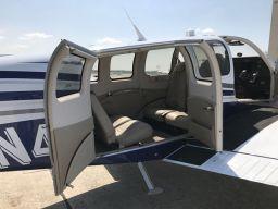 É seguro ocupar todos os assentos do avião?