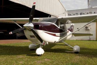 Cessna Skylane Turbo C182 2004