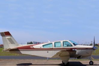 Beechcraft Bonanza F33A BE33 1990