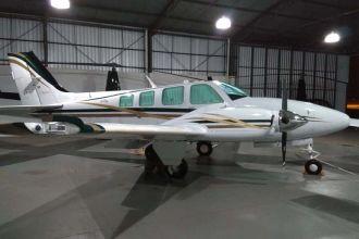 Raytheon Aircraft Baron 58 BE58 2000