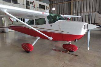 Cessna Skyhawk C172 1977