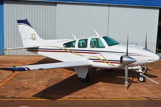 Beechcraft Baron 55 BE55 1972
