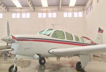 Beechcraft Bonanza A36 BE36 1974
