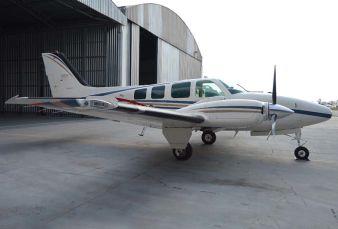 Raytheon Aircraft Baron 58 BE58 1999