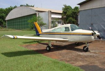 Beechcraft Musketeer BE23 1966
