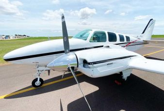 Beechcraft Baron B58 BE58 1981