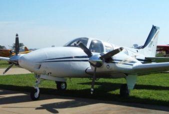 Raytheon Aircraft Baron 58 BE58 2001