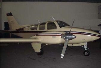Beechcraft Baron 55 BE55 1975