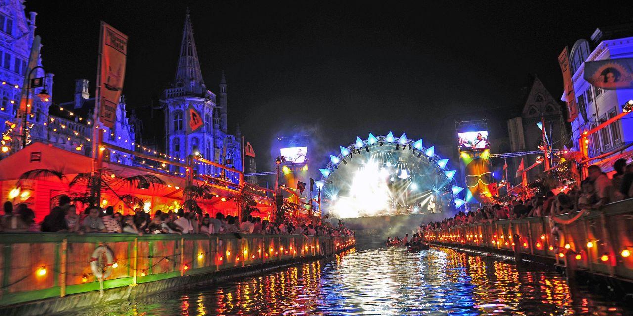 Die Graslei in Gent während des Gentse Feesten