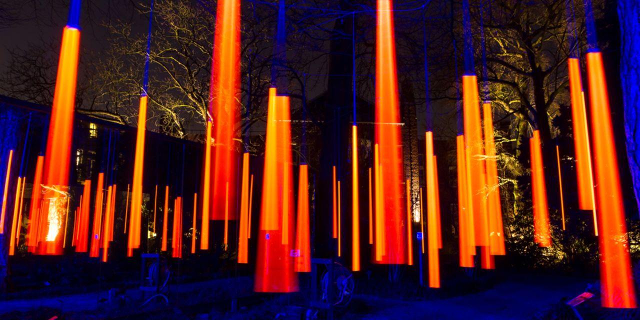 Bunte Lichtereffekte beim Light Festival in Amsterdam