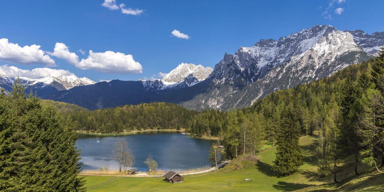 Der Lautersee am Fuß des Karwendel