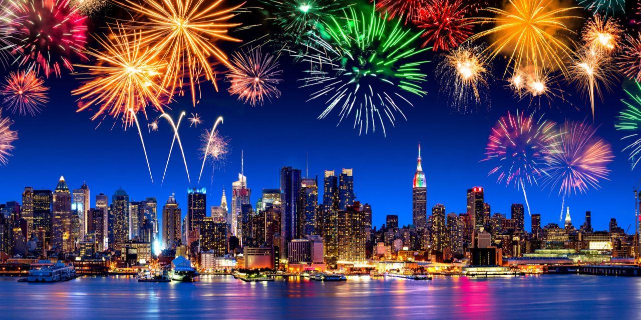 Feuerwerk vor der Skyline von New York