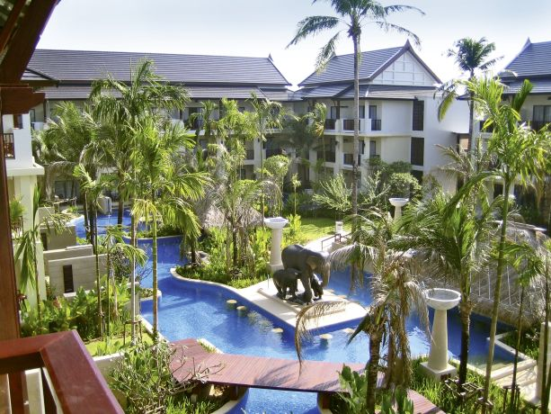 Hotel Apsara Beachfront Resort & Villa