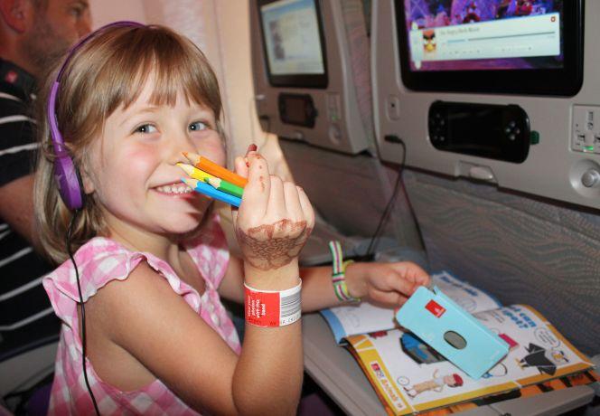 Bei so viel Unterhaltung bleibt den Kindern keine Zeit zu schlafen © Emirates