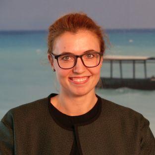 Yvonne, Marketing Analystin, HolidayCheck