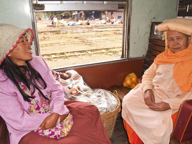Bahnfahrt nach Mandalay