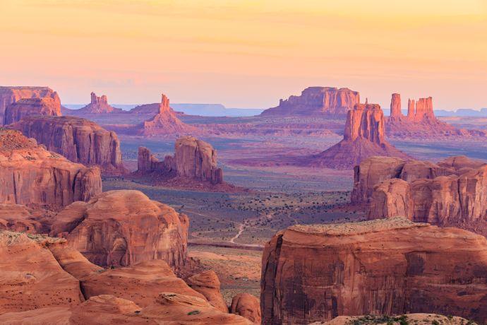 Das Monument Valley ist ein lohnenswerter Stopp auf der Route 66 in den USA © Flickr/Airwolfhound