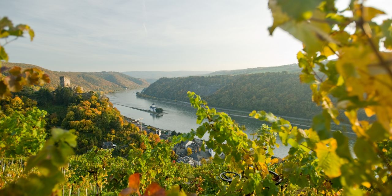 Der Rheinsteig: Die Burg Pfalzgrafenstein im Rhein