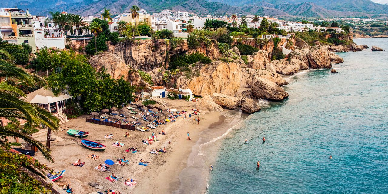 Die Playa Calahonda in Nerja