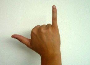 Handzeichen gespreizte Finger