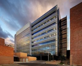 Thumbnail for the article 'Flinders University Northern Territory Medical Programme Building' by James Edwards