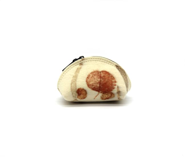 /az0052013-02_kaaxmg.jpg view of the Small Felt Circle Pouch / Eucalyptus by Azellaz
