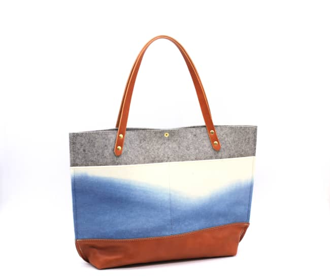 /az0067008-02_g0emwf.jpg view of the Medium Felt Tote / Indigo by Azellaz