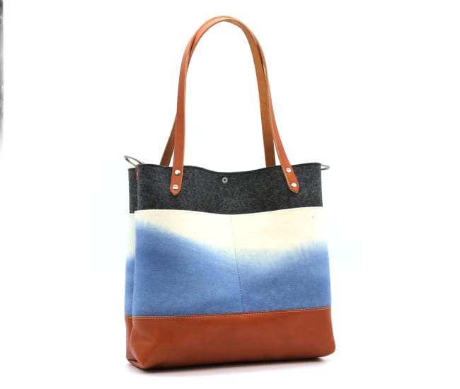 /az0067015-02_h98ksb.jpg view of the Medium Felt Tote / Indigo by Azellaz