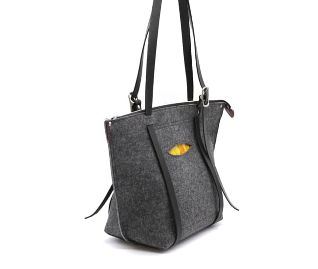 /az0068002-03_q2pg6w.jpg view of the Tote / Backpack Crossover by Azellaz