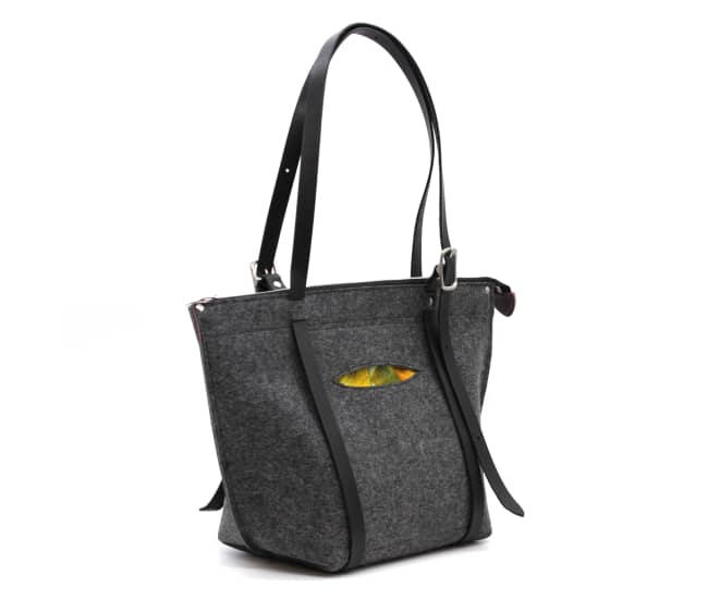 /az0068002-03_q5s9nf.jpg view of the Tote / Backpack Crossover by Azellaz