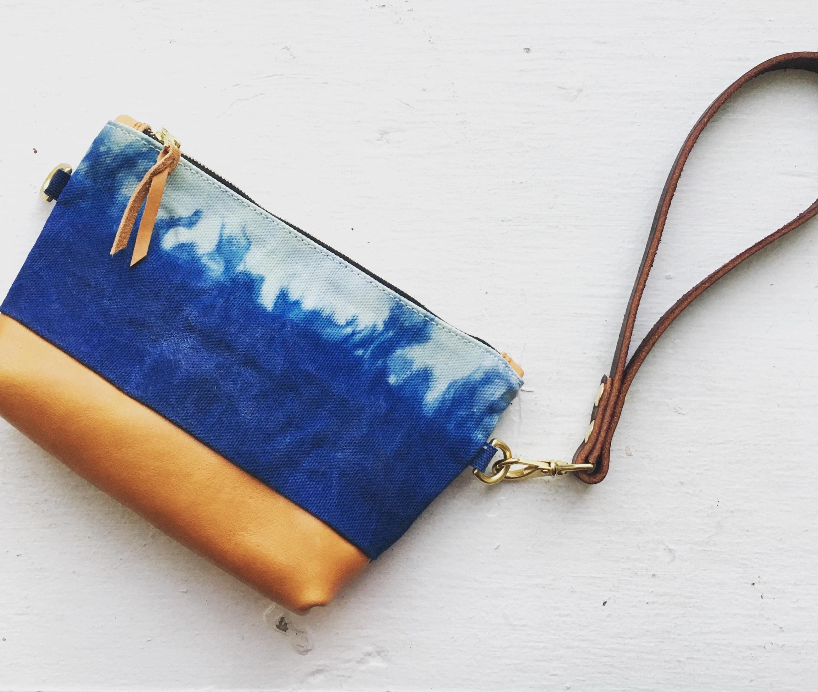 Clutch indigo fire lisaro leather by Azellaz