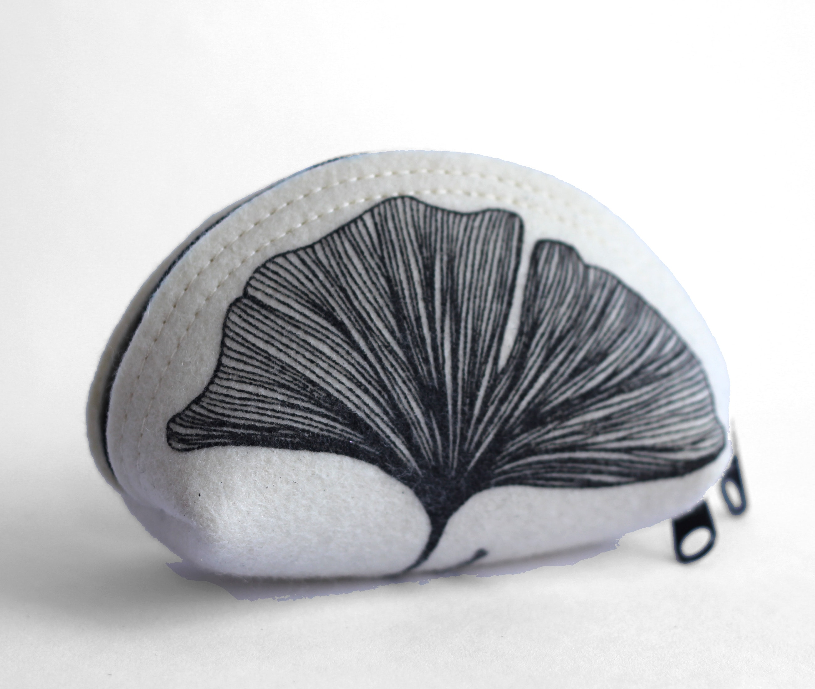 Circle pouch small black gingko front by Azellaz