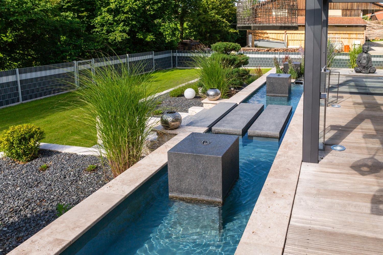 Zudem Ist Es Möglich Ein Wasserspiel In Kombination Mit Einem Gartenteich Im  Grundstück Zu Integrieren.