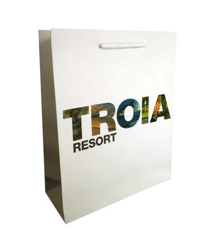 sac-luxe-pellicule-troa-resort.jpg