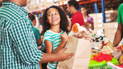How to Make Giving a Part of Your Holiday Fun