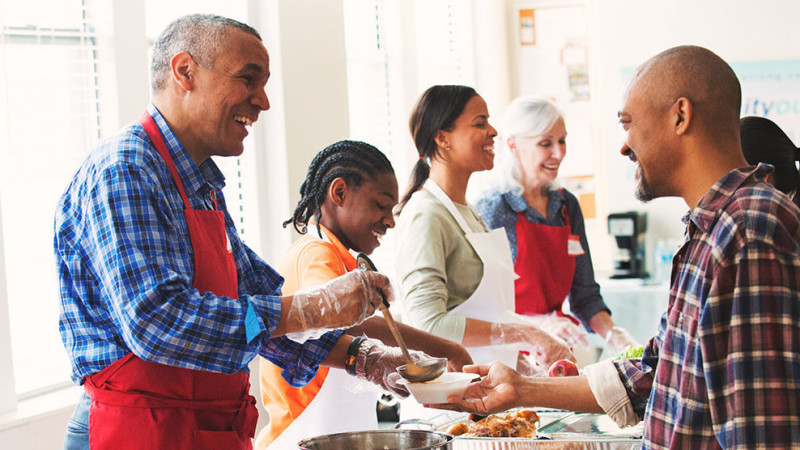 3 Reasons Why Summer Is a Great Time to Serve at Church
