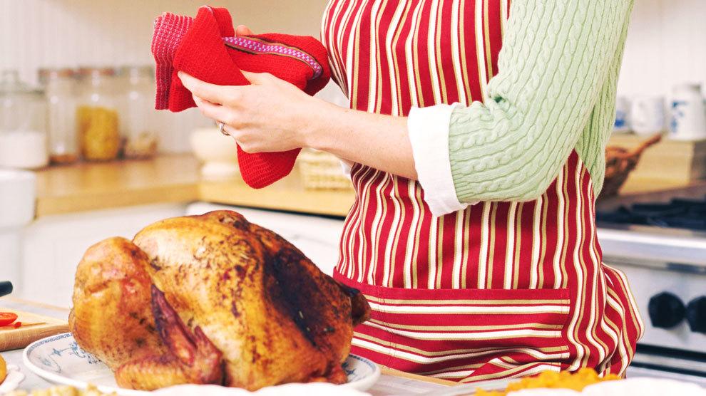 4 Ways to Model True Holiday Hospitality