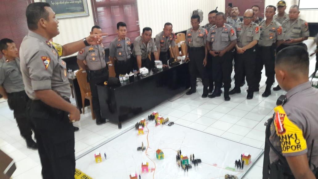 Kabag Ops Polres Lampung Utara Pimpin Tactical Floor Game Kontijensi Pemilu