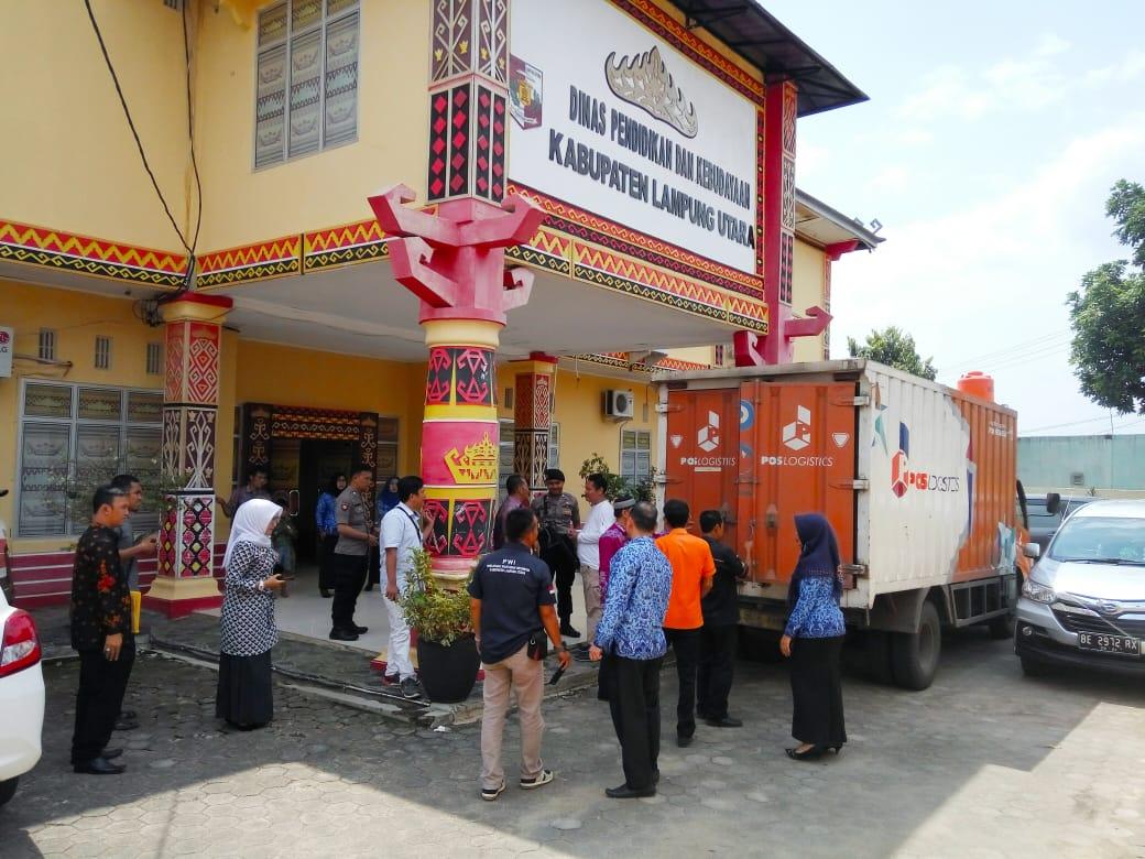 Berkas Ujian Nasional Kertas Pensil Tingkat SMP Diterima Disdik Lampung Utara