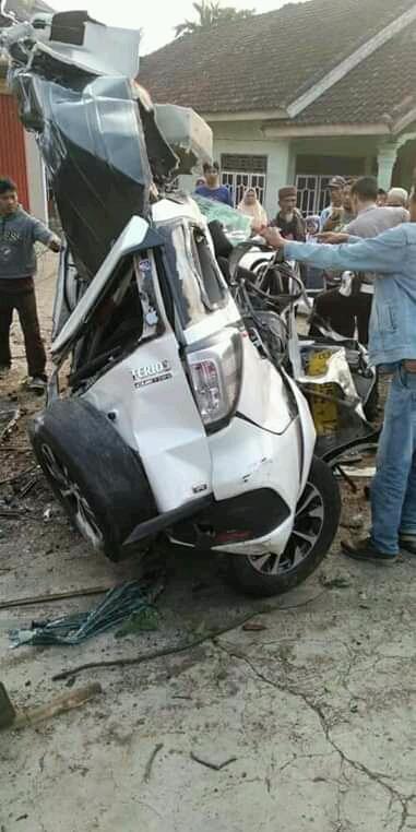 Kecelakaan Beruntun Roda Empat Akibatkan Korban Meninggal Dunia
