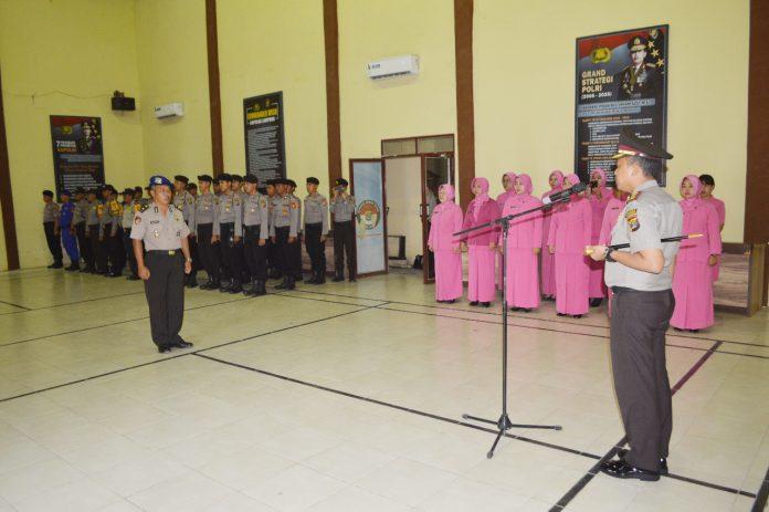 Kasat Polairud Polres Tulang Bawang AKP Suharto telah dinaikkan pangkatnya setingkat lebih tinggi menjadi Komisari Polisi (Kompol).